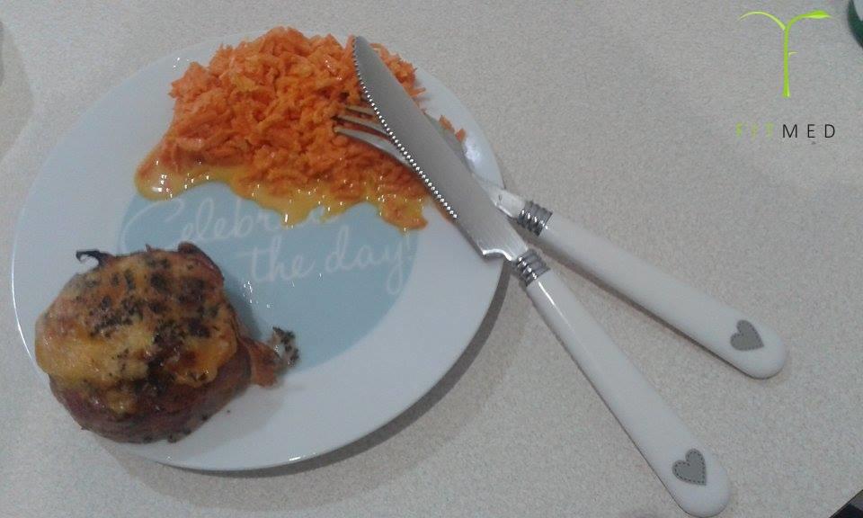 Gniazdka z mięsa mielonego w plastrach boczku